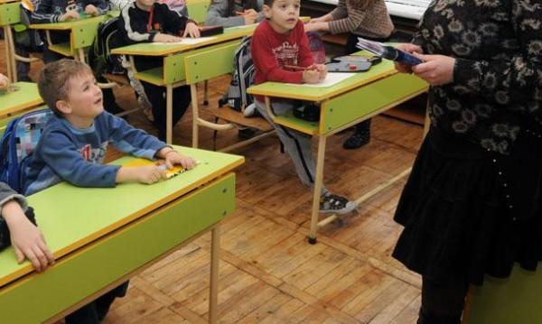 Наесен с песен, но пак няма учители! Търсят към 3000