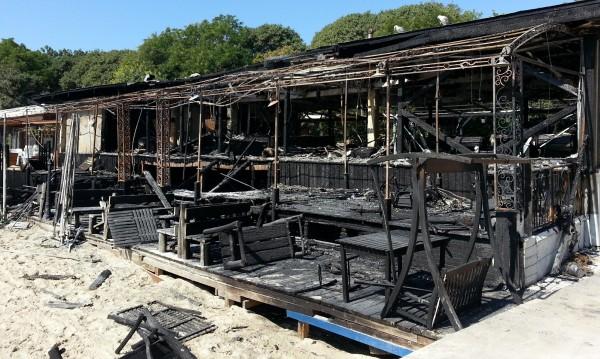 Изгоря заведение на крайбрежната алея на Варна