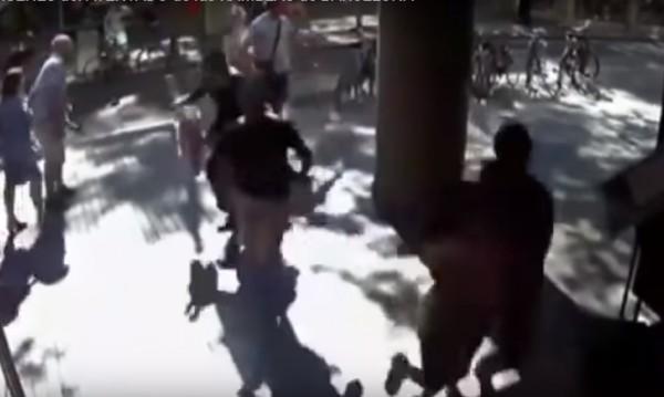 Нови кадри от атаката в Барселона - хора, бягащи от ужаса