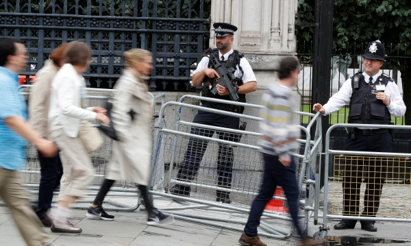 Британският парламент е уязвим за терористи