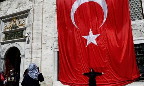 Тенденция в Турция: Мъже убиват жените си, а присъдите - леки
