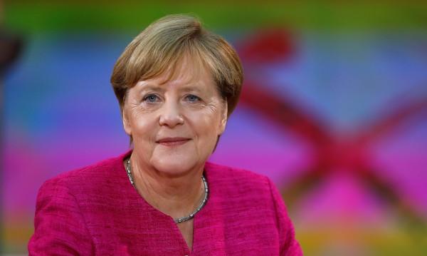 Шулц към Меркел: Откъснала си се от действителността
