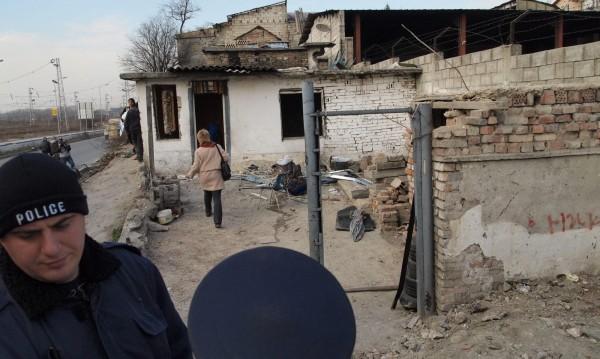 """Рушат 80 незаконни поскройки в ромския """"Бевърли хилс"""""""