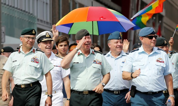 Шефът на канадския генщаб участва в гей парад в Отава