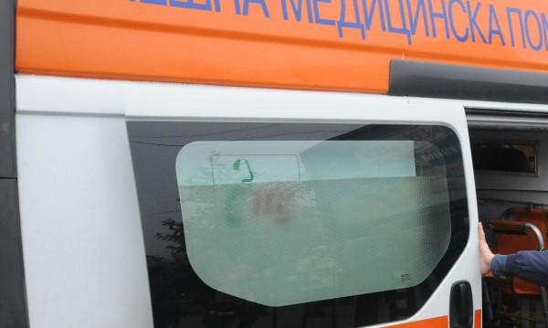 Пиян шофьор прати трима спътници и себе си в болница