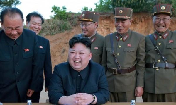 Северна Корея изстреля ракета към Япония