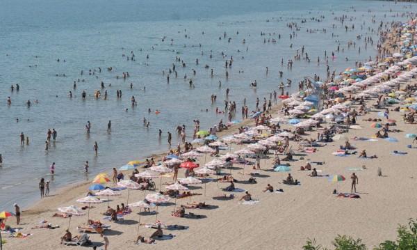 Черно море – най си е добре! Половината българи там това лято