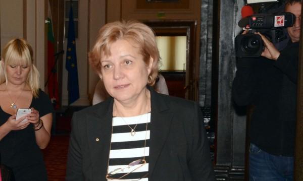 ГЕРБ до Нинова: Противопоставяте премиер на президент