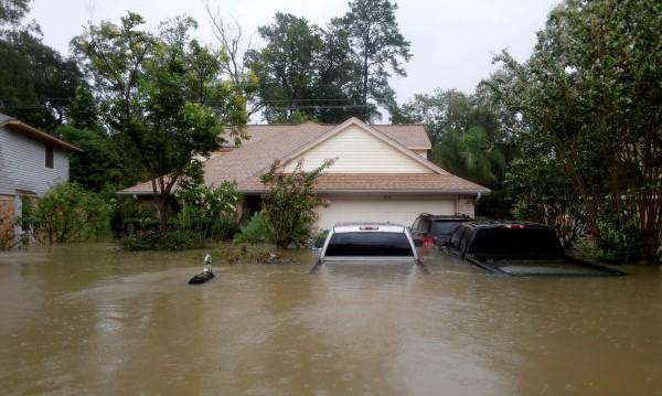 Воден ад! 57 трилиона литра вода са се изсипали в Тексас