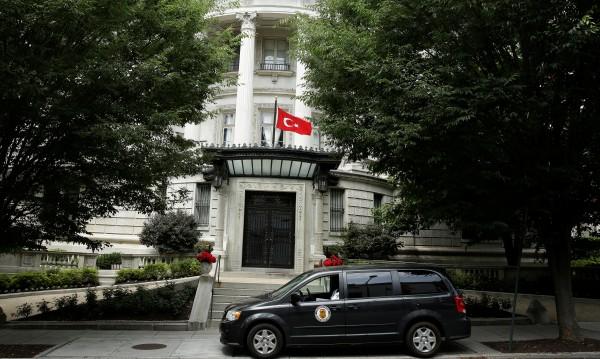 Турция се оплака пред САЩ за обвинения срещу нейни служители