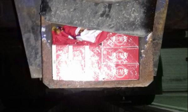 Митничари откриха цигари в тайник на камион
