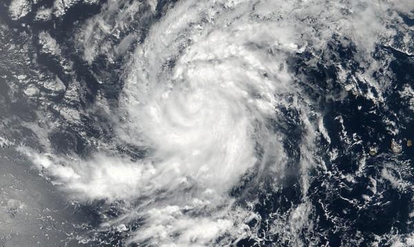 Нова силна буря към островите в Карибско море и САЩ