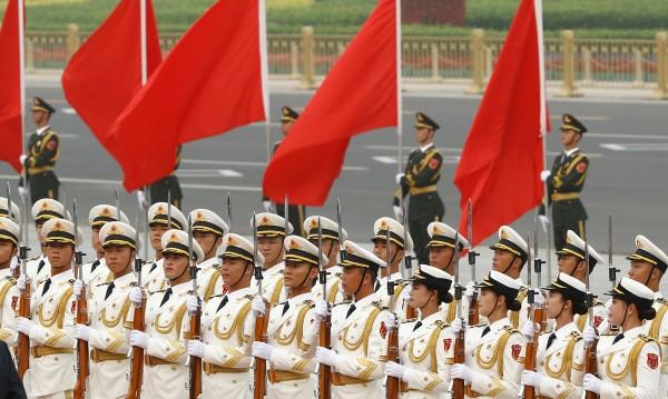 Китай с нови наказания: Пееш химна грешно – затвор