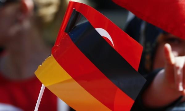 Напрежение в Берлин: Турция арестува двама германци