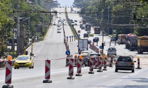 Основни ремонти в София свършват с училищния звънец