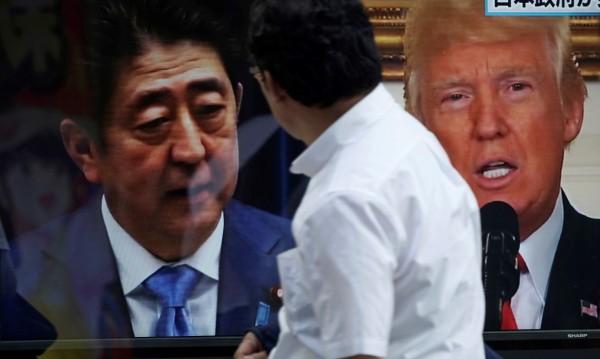 """Тръмп и Шиндзо Абе се разбраха за """"невиждан натиск"""" върху КНДР"""