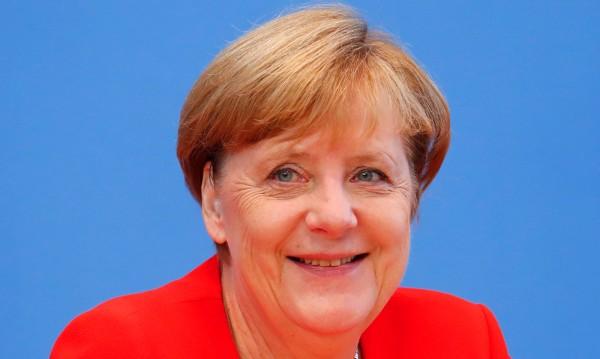 Меркел – гросмайстор на политическата тактика. Матира опозицията