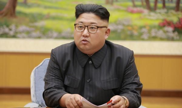 Ким има абсолютна власт и водородна бомба, за да я налага