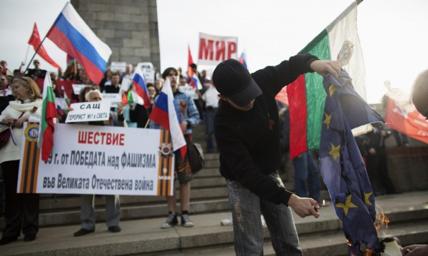 Проруската политика в България вече не чака инструктаж