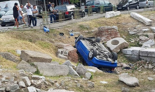 """""""БМВ"""" по таван в разкопките на Източната порта на Пловдив"""