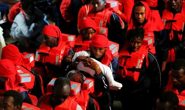 Искат, не искат Словакия и Унгария ще приемат мигранти