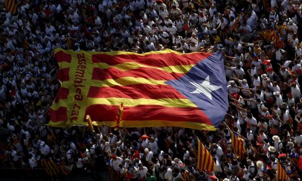 Каталуния насрочи референдум за отцепване от Испания