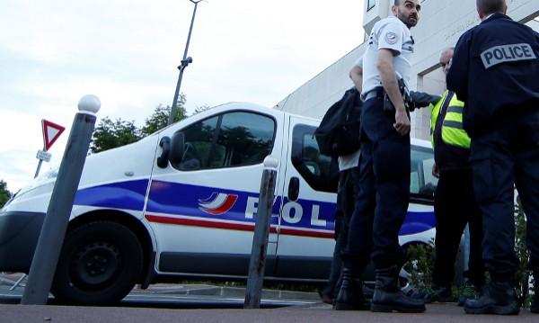 Български бездомник арестуван за опити за грабеж в Ница