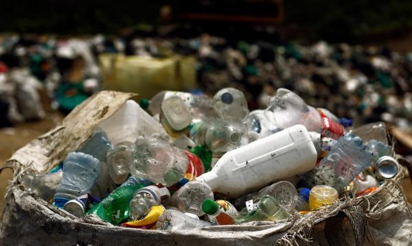 Пластмаса открита в питейната вода на пет континента