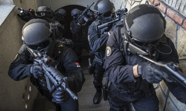 Хванаха сърбин, готвил атентат в центъра на Белград