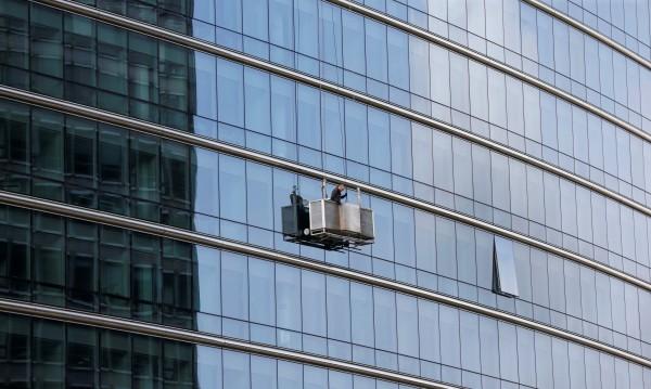 Фасадите от стъкло и стомана - клопка за прилепите