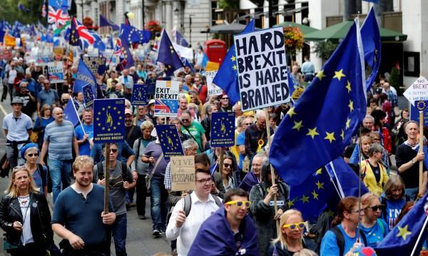 Exit from Brexit: Хиляди протестират в Лондон срещу Brexit