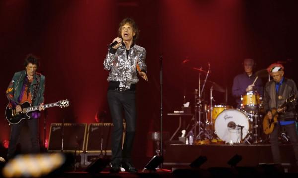 Rolling Stones събра над 80 000 фенове в Хамбург