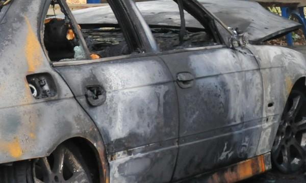 Подпалиха колата на столичен наркобос във Вършец