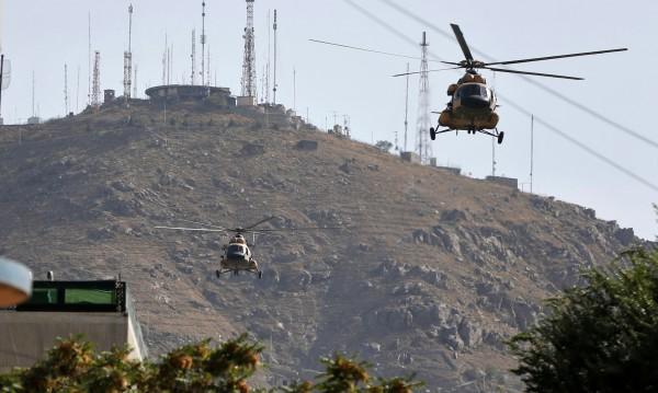 Русия и България договориха ремонт на хеликоптери от Афганистан