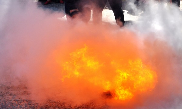 Евакуираха възрастни хора заради пожар край Хисаря