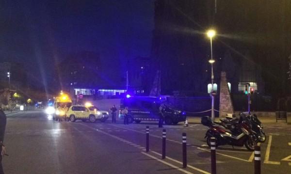 """Полицията в Барселона отцепи района около """"Саграда Фамилия"""""""