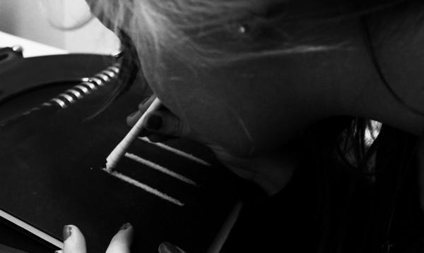 Гид за млади наркомани: В Испания учат как се смърка кока