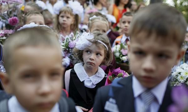 15 септември: На добър час, ученици! Но има ли кой да ги учи?