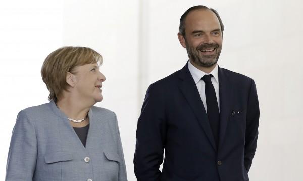 Меркел: Мислите ни са с ранените, с Великобритания!