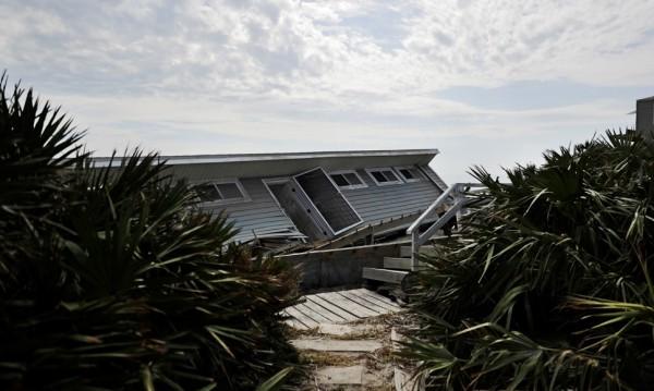 "Тропическата буря ""Норма"" стана ураган"