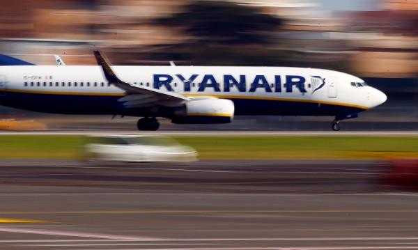 Бюджетните Ryanair ще отменят по 50 полета за шест седмици