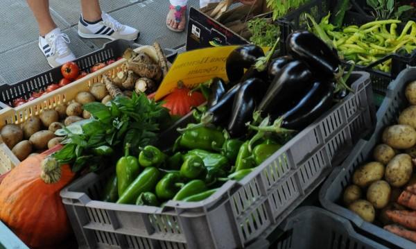 Време е за зимнина! Плодове и зеленчуци все още са по-евтини