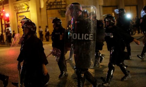 80 души арестувани след безредици в Сейнт Луис