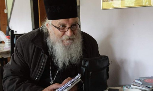 И това се случи: Крадци задигнаха учебници от приюта на отец Иван