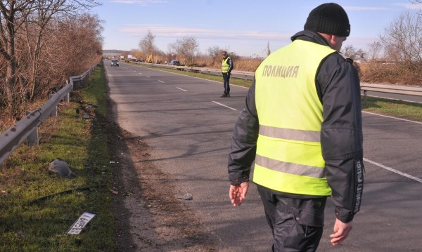 Шофьор без книжка спретна гонка с катаджии в Павликени