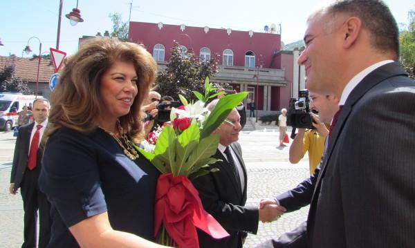 Йотова увери в Сърбия: Разширяването на ЕС е приоритет!