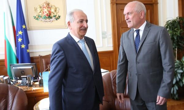 Няма драма: Украйна не забранява българския на българите