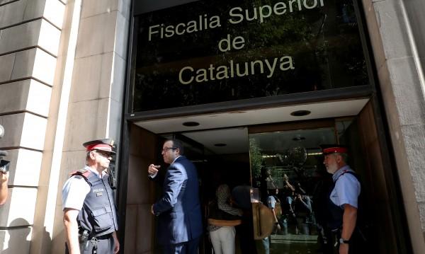 Испанската полиция влезе в правителството на Каталуния