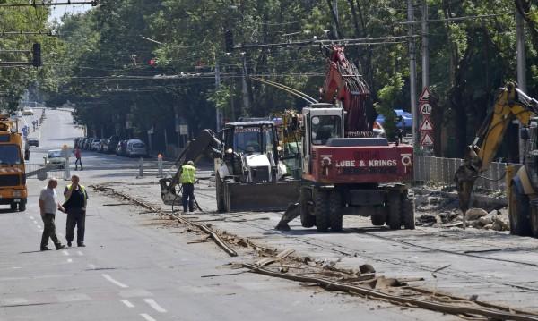 Фандъкова поиска: Дондуков довършен с асфалт, не с павета!