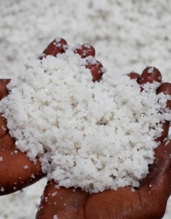 Прекаляване със сол: Какви са рисковете?